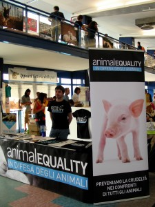 Foto dello stand di Animal Equality
