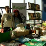 Foto dello stand de IlTuoKoala con Helena e Guido